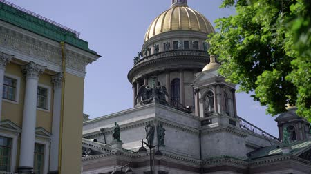 st isaac's cathedral : Isaacs Cathedral in Saint-Petersburg exterior building at summer day Stock Footage