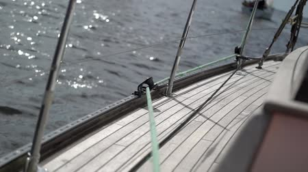 yat yarışı : Rope on sailing yacht at windy sunny day
