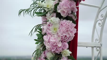 hortênsia : Wedding ceremony decoration on roof top at cloudy day