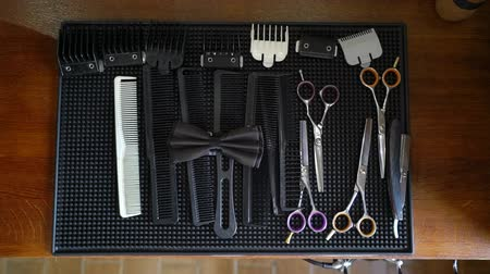 makas : Professional barber shop tools and bowtie. Comb, scissors for hairstylist
