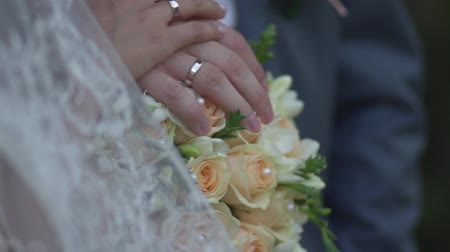 ring : Wedding bouquet ring hand veil