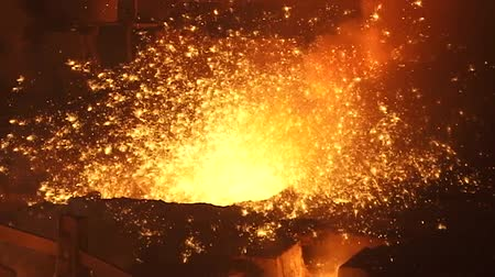 kıvılcımlar : Sparks of molten metal during the process of smelting iron