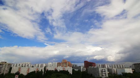 coulds : Clouds in the sky over the city Stock Footage