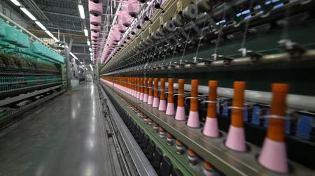 rögzített : Production of yarn. Threads, coloured 36