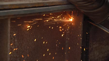 paving : apparatus for welding metal sparks 17 Stock Footage
