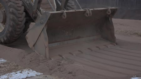 winch : Tractor leveled the hot sand 10