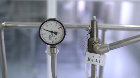 barometr : Pressure gauge for measuring the pressure of liquid or gas Wideo