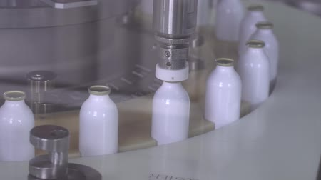 apotheker : The production of the spray 11 Stockvideo