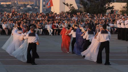 sembol : SEVASTOPOL, CRIMEARUSSIA – JUNE 14, 2014: parade of bands in Sevastopol Stok Video