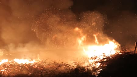 boldness : Water jet extinguishes huge fire at night