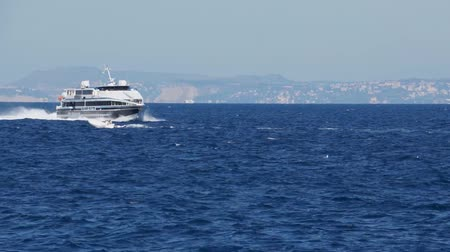 neapol : Scene of Ferry Arriving in Sorrento Wideo