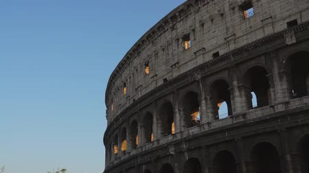 руины : Various angles of the roman Colosseum or Flavian Amphitheatre.