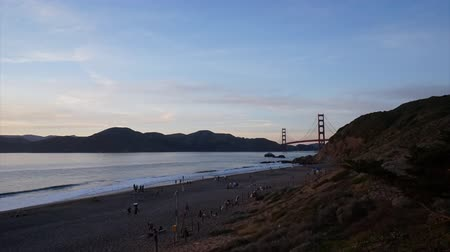 kabely : View of the iconic Golden Gate Bridge located in San Francisco, CA.