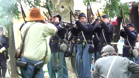 aggression : View of Union and Confederate Civil War soldiers in battle Stock Footage