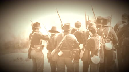 archívum : View of Civil War soldiers in the heat of pitched battle (Archive Footage Version)
