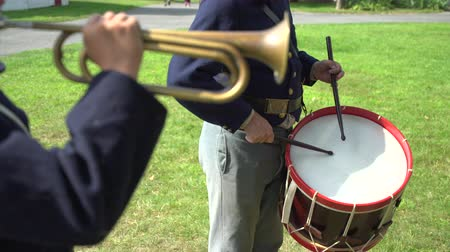 archívum : Scene of Civil War drummer playing with bugler Stock mozgókép