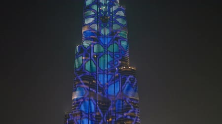 эмираты : Beautiful night illumination of the bath of the Burj Khalifa (dubai)