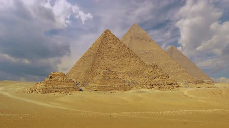 esfinge : Panorama of the Egyptian pyramids in the valley of the giza. (time-lapse)