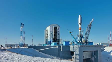 mg : Russian rocket Soyuz-2 on the launch pad (time-lapse)