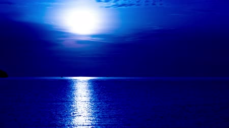 magical : Romantic moonlight on the sea