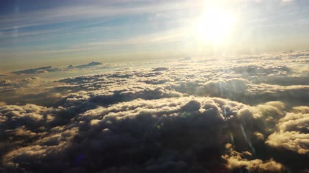mraky : Flying above the clouds view from Airbus Dostupné videozáznamy