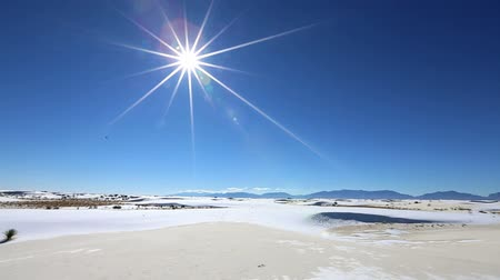 дюна : White Sands National Park Is Field Of White Sand Dunes Composed Of Gypsum Стоковые видеозаписи