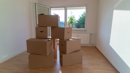 tektura : Lot of Boxes For Moving, Cardboard boxes