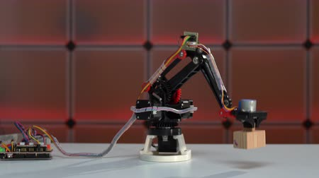 Robotic arm moving, concept design of autonomous technology
