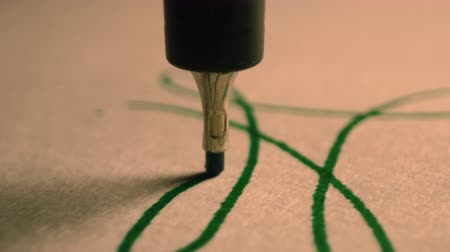 vonalvezetés : Plotter draws abstract calligraphic patterns