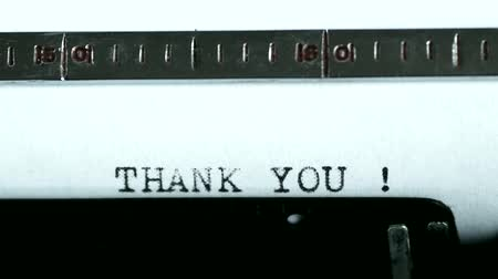 sayesinde : Typewriting on an old typewriter. Typing text: thank you ! Stok Video