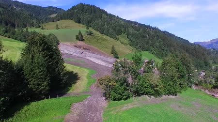 prezentaci : Mudslides scar the hillsides of austria Following heavy rain. Europe in Rauris, Austria alps