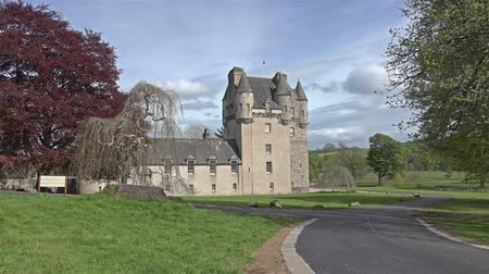 archeologický : Sauchen, Inverurie, Aberdeenshire  Scotland - July 23 2015: Clouds moving over castle Fraser - time lapse recording