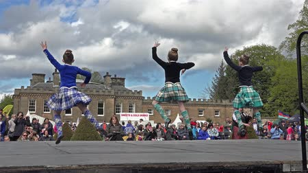 pessoal : Fochabers  Scotland - May 17 2015 : Local folks performing the traditional highland dancing