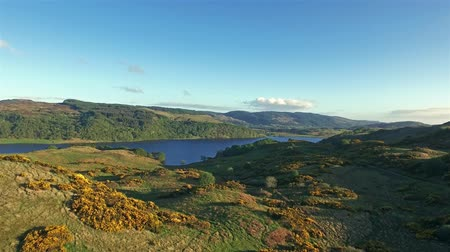 aeródromo : Beautiful aerial of the highland hills close to Oban, Argyll, Scotland Stock Footage