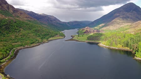 felvidéki : Flying over Loch Leven towards Caolasnacon, Lochaber Stock mozgókép