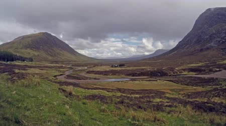 felvidéki : Time lapse of the amazing landscape of Glencoe with sun, rain, hail and rainbow