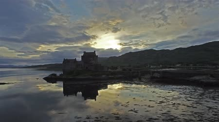 felvidéki : Aerial view of the historic Eilean Donan Castle by Dornie Stock mozgókép