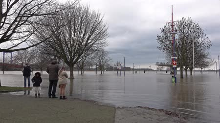 de aumento : Duisburg  Germany - January 08 2017 : The Muehlenweide is flooded by the river Rhine