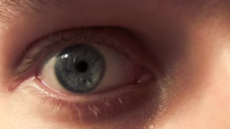 kapatmak : Human Eye Movement. Extreme Close Up. HD
