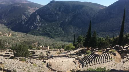 sagrado : The view on amphitheater, in the archaeological site of Delphi, Greece. 4k video Vídeos