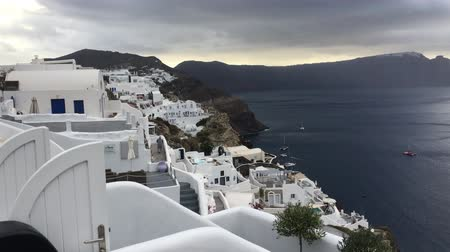 УВР : The panoramic view of Oia town, Santorini, Greece