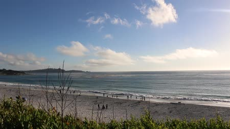 řídit : View of Gibson Beach from the shore in Carmel, California Dostupné videozáznamy