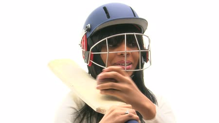 nietoperz : Black woman with a cricket bat, helmet and ball  Wideo