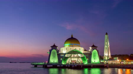 masjid selat melaka : Melaka Strait Mosque Day To Night Sunset Timelapse Stock Footage