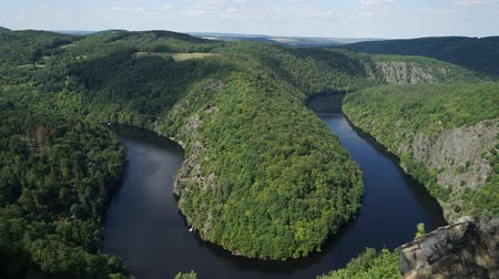 tcheco : Horseshoe bend in the Vltava at Vyhlidka Maj, Czech Republic.