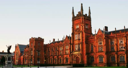 belfast : Belfast, UK. The Lanyon Building, Queens University Belfast, Northern Ireland, UK in the evening with cloudless sky Stock Footage