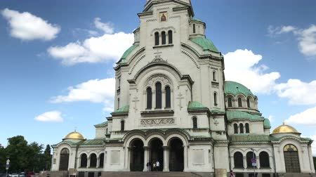 nevsky : SOFIA, BULGARIA - MAY 28, 2018: The St. Alexander Nevsky cathedral is one of the largest Eastern Orthodox cathedrals in the world, located in Sofia, Bulgaria Stock Footage