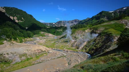 géiser : Valley of Geysers. Tourist season in Kamchatka Peninsula. Kronotsky Nature Reserve. The summer stock footage video
