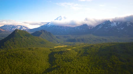 The view from the helicopter on the mountains and volcanoes of Kamchatka Krai, Russia Dostupné videozáznamy
