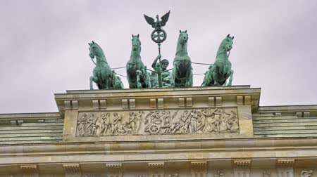 Quadriga at the Brandenburg Gate Berlin Germany - Motion Timelapse Wideo